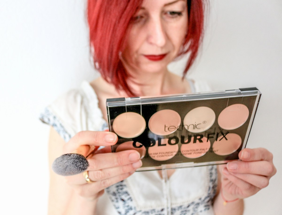 technic-cosmetic-uk-contour-palette